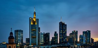 Ein Ort der Digital Hub Initiative: Frankfurt (Foto: Dimitry Anikin/Unsplash)